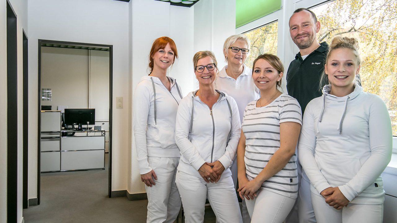 """Das Team der """"Orthopädie Schillerstrasse"""